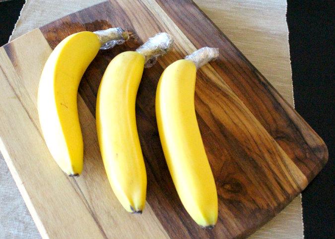 25ST-banana_plasticwrap